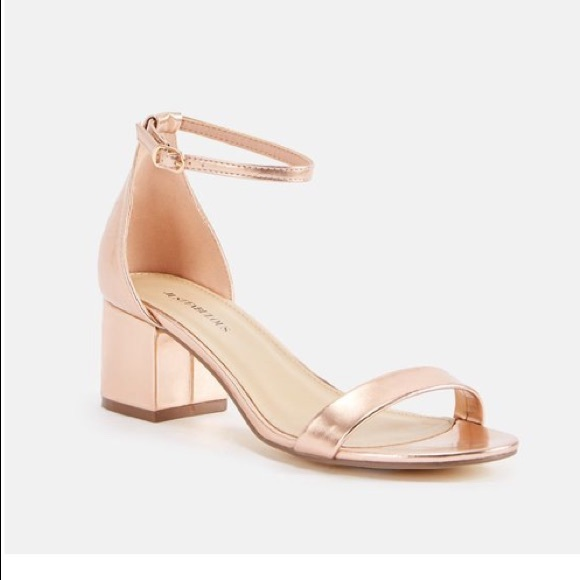 95377e8f7cc JustFab Shoes - Low heel sandals💕 Rose Gold!